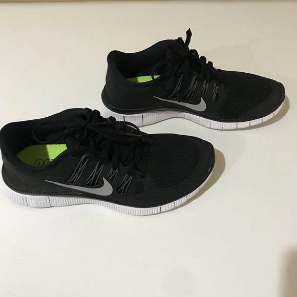 9573b02aa1050 Nike Run Natural Free   Flexible running shoes. M 5a37138585e6053e5902b3d6